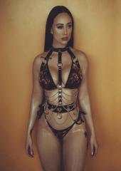 Versace: Behind the Scenes